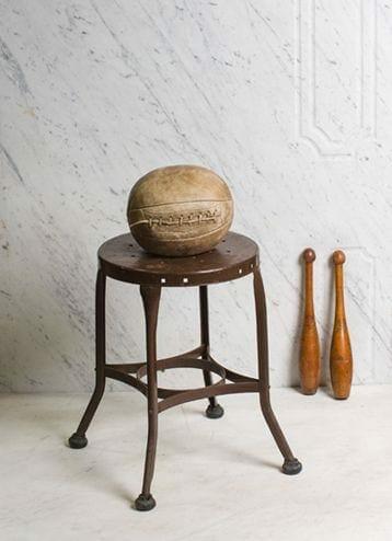 backless Toledo stool