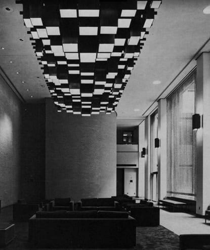 Jefferson Alumni Hall Monumental Light