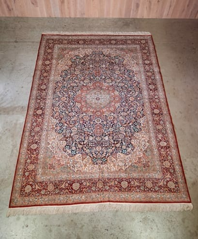 chinese silk medallion rug