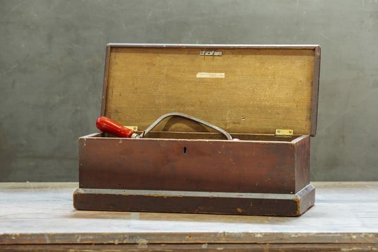 beveled tool box