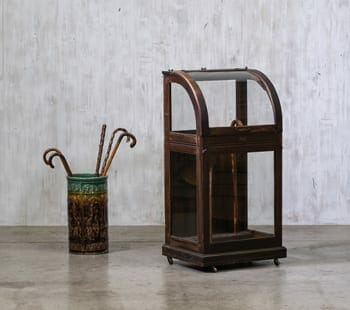 Oscar Onken Cane Display Case