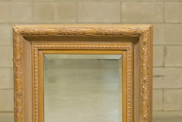 gilt mirror detail